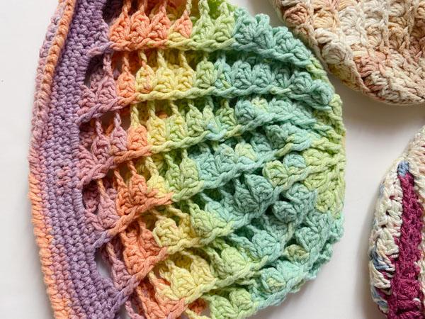 candy swirl crochet hat beanie jeddah mom pattern